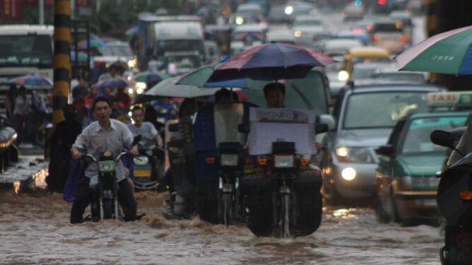 Powódź dręczy Chiny. Żywność droższa o 40 proc.