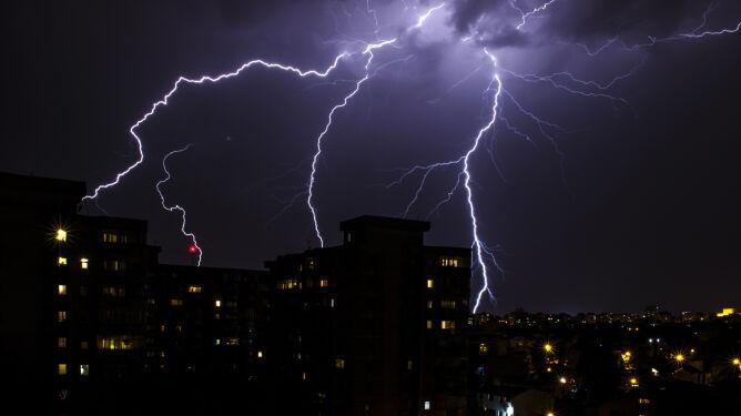 Burze nad Polską przechodziły całą noc