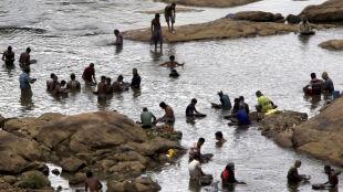 Grudki złota leżą w piaskach Sri Lanki