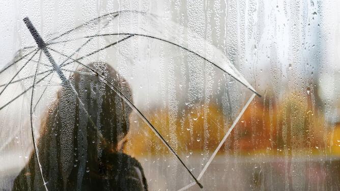 Przed nami deszczowe i zimne dni. Na termometrach tylko 5 stopni